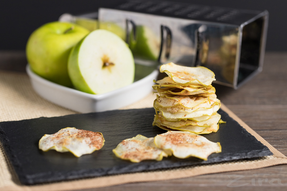 Видеорецепт: яблочные чипсы в микроволновке