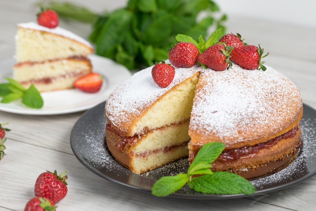 Бисквитный кекс с джемом