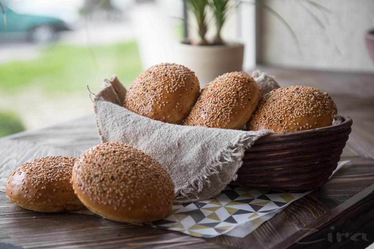 Пошаговый фоторецепт: булочки бриошь от заведения Breadly