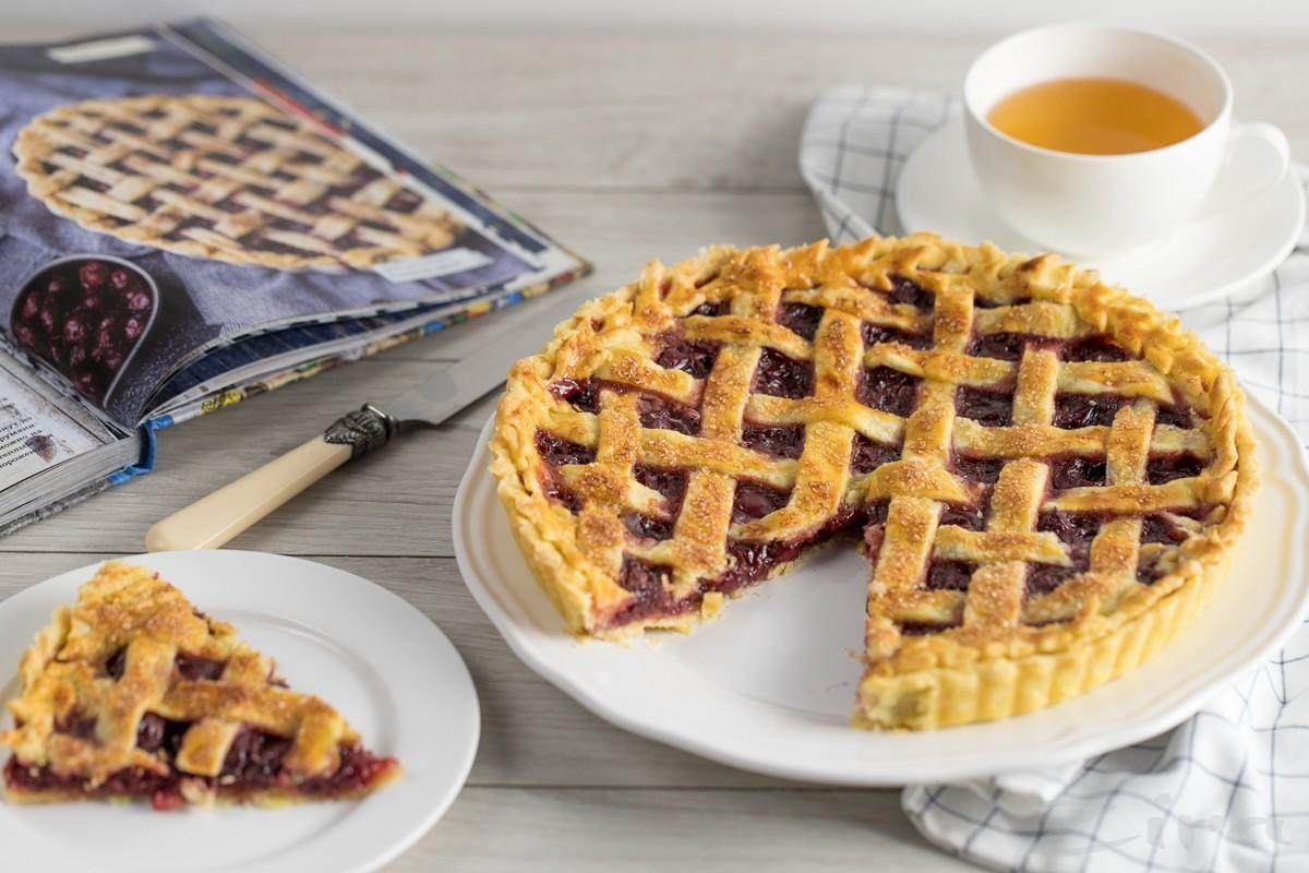 Видеорецепт: американский вишневый пирог