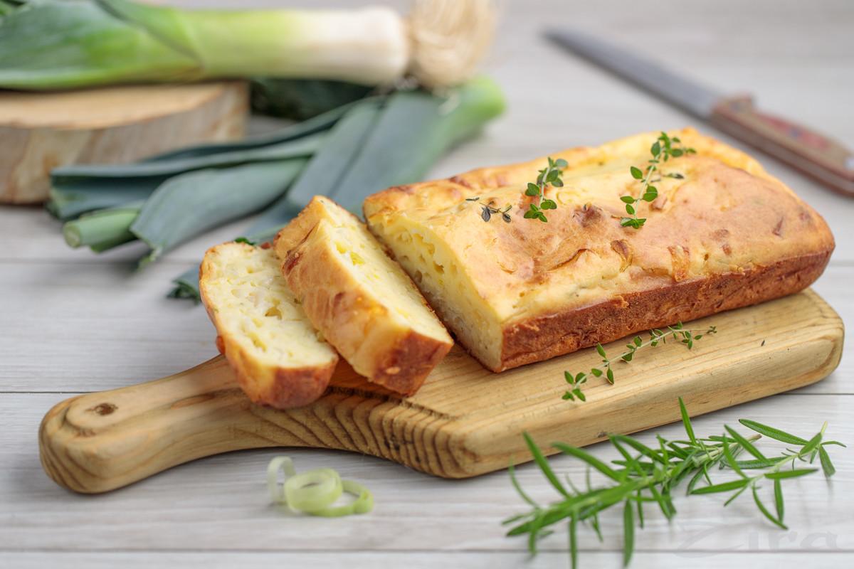 Быстрый пирог с луком-пореем