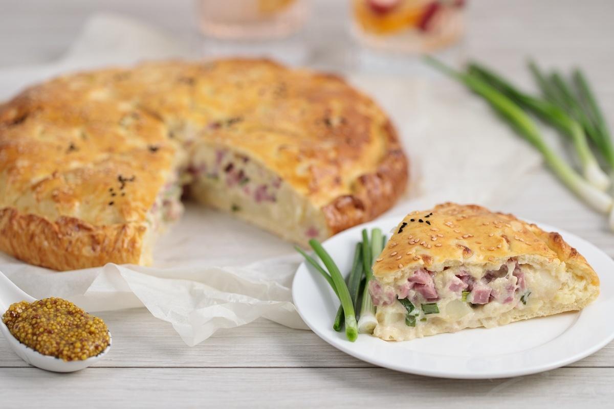 Видеорецепт: пирог с ветчиной и картофелем
