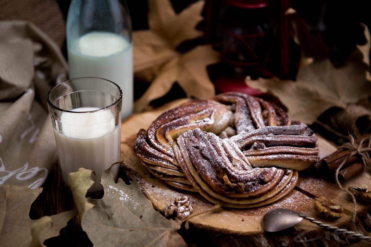 Эстонская выпечка с корицей и орешкам