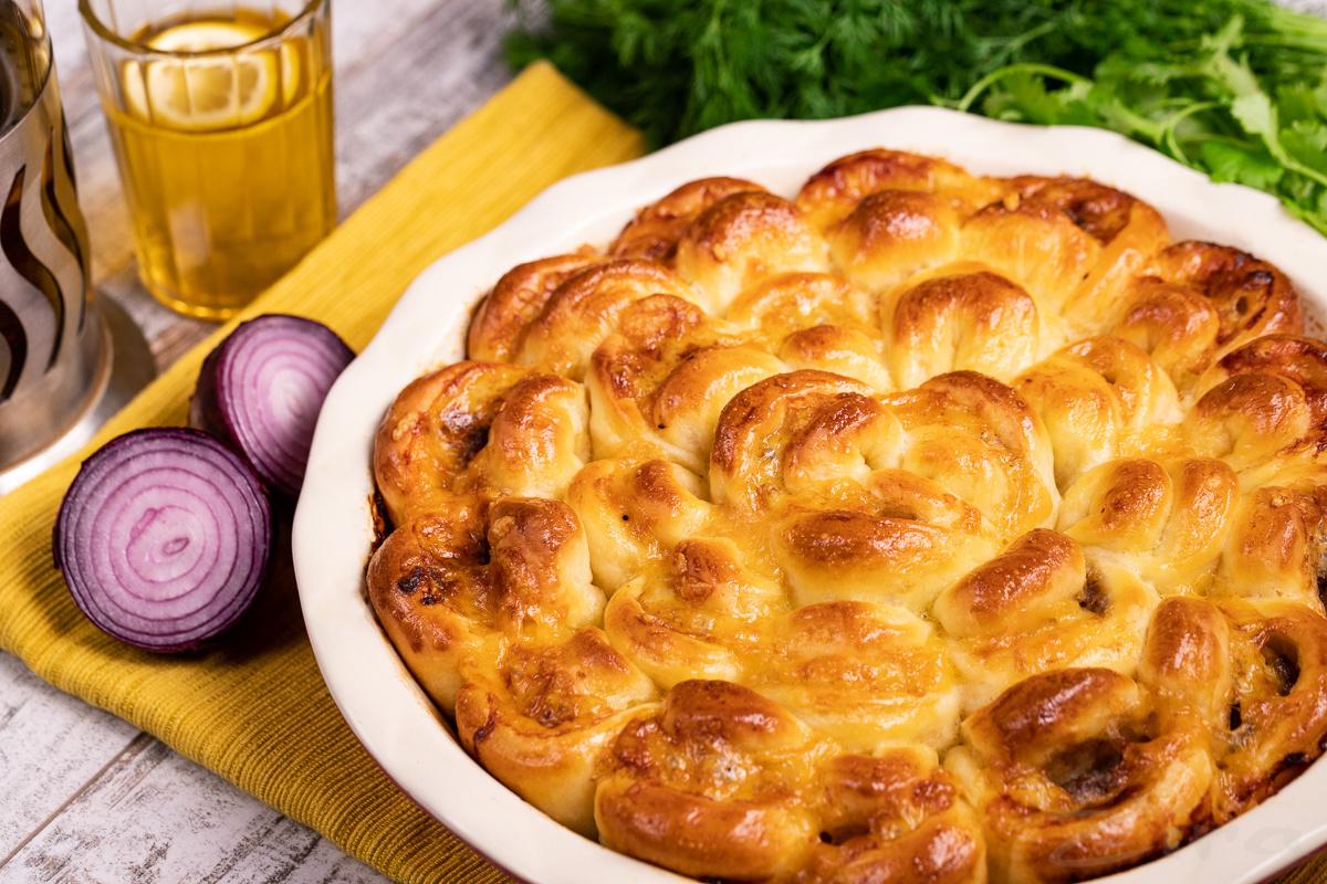 Мясной пирог «Хризантема»