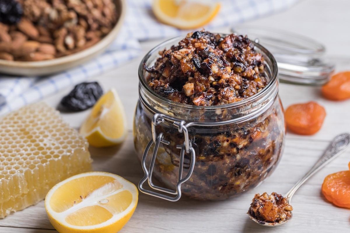 Витаминный микс из орехов и сухофруктов