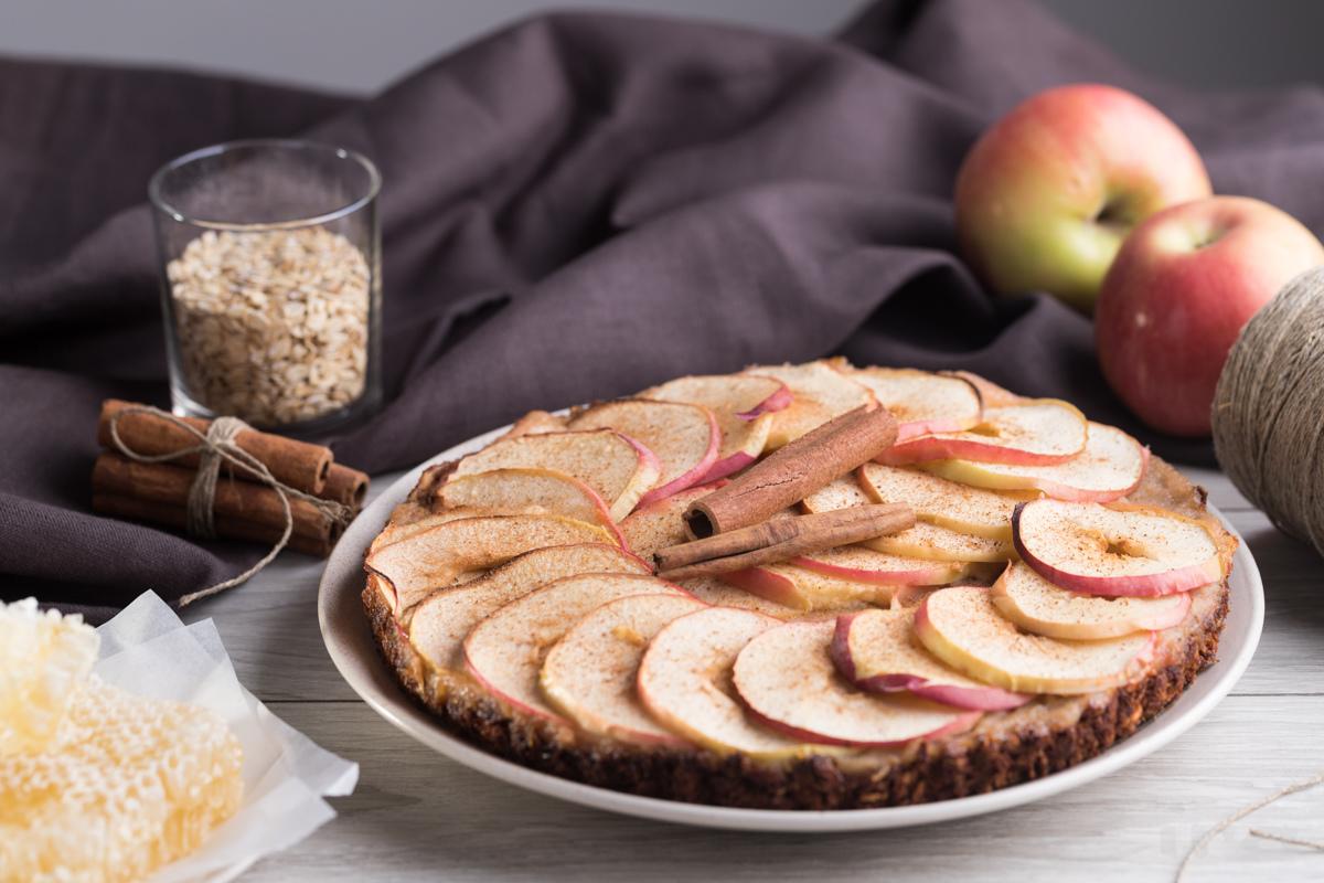 Овсяный тарт с яблоками