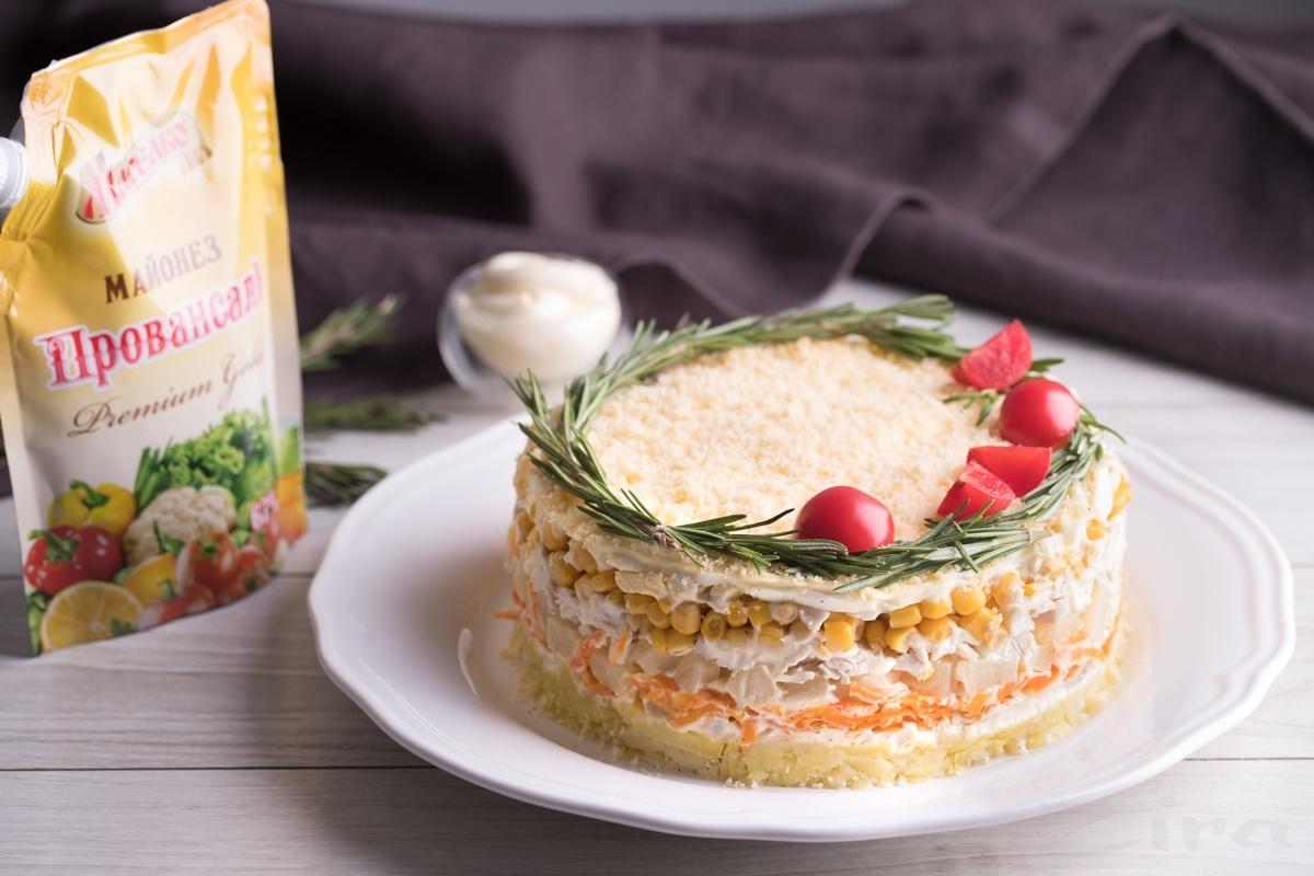 Пошаговый фоторецепт: салат-торт «Праздничный»