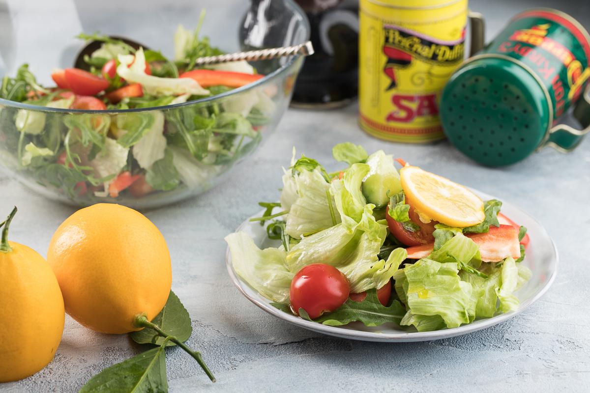 Свежий салат с рукколой