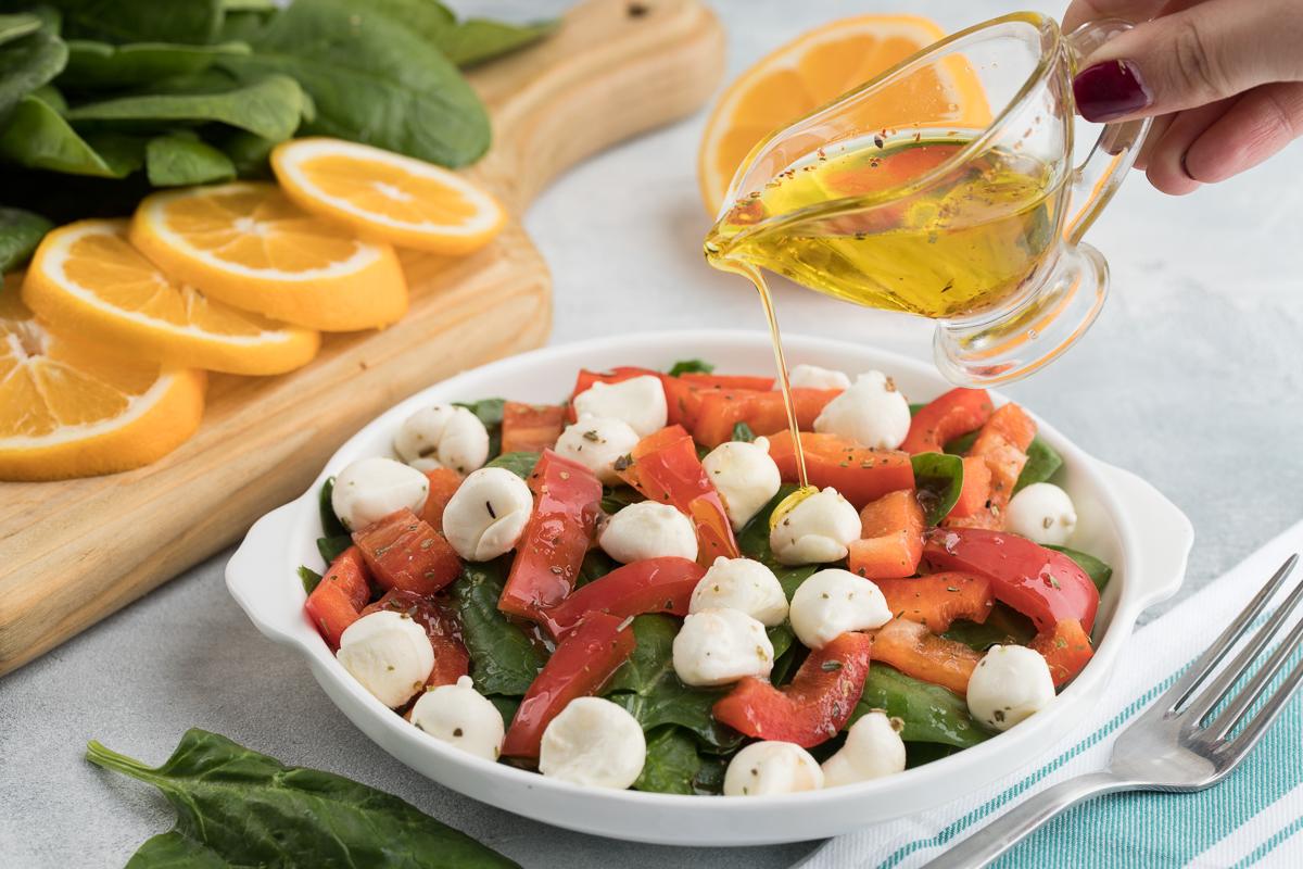 Motsarella va ismaloqdan salat
