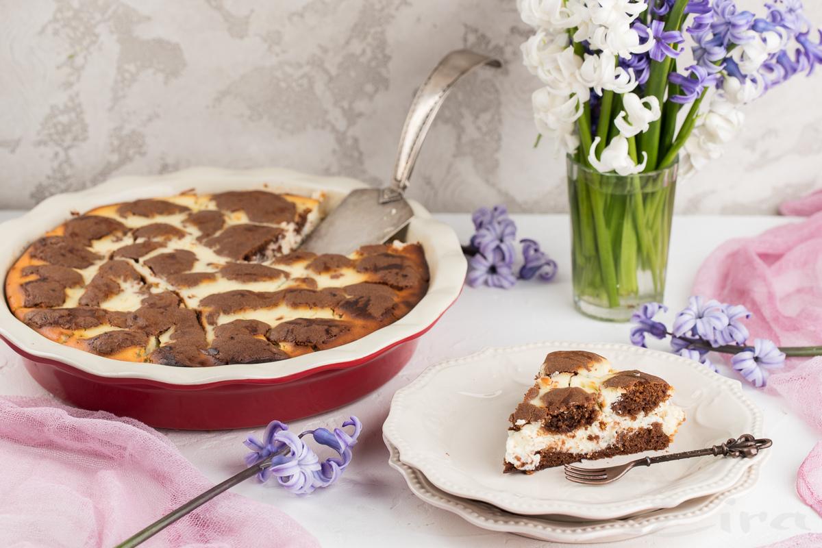Творожный пирог на шоколадном тесте