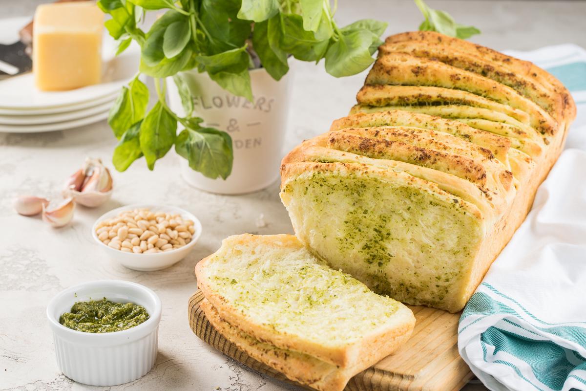 Хлеб «гармошка» с зеленью