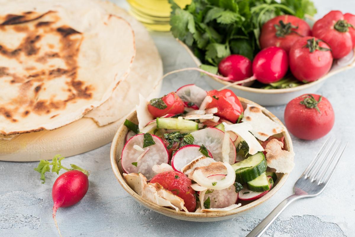 Восточный салат «Фаттуш»
