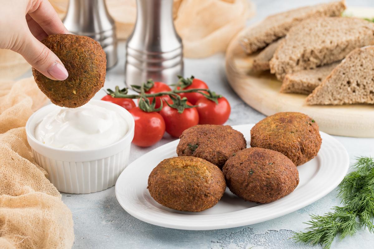 Falafel' (no'xatli koptokchalar)
