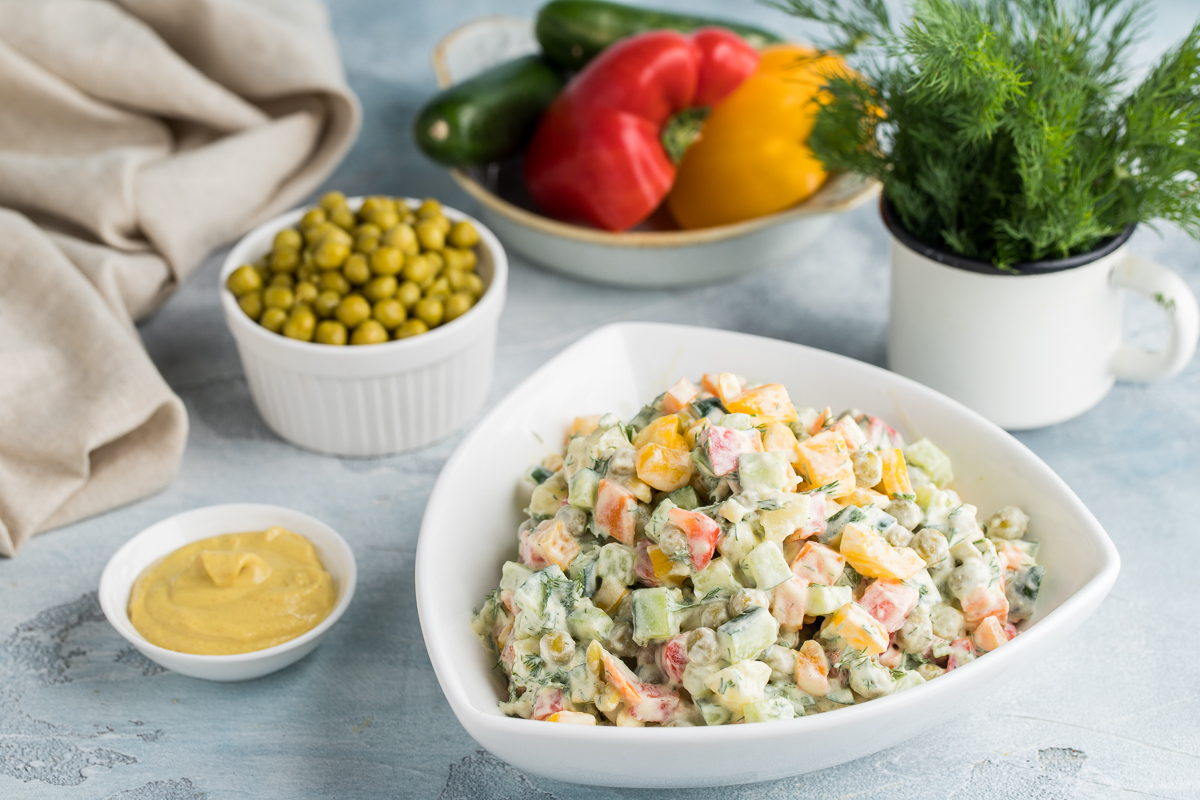 Kurka go'shti va smetana aralashmali salat