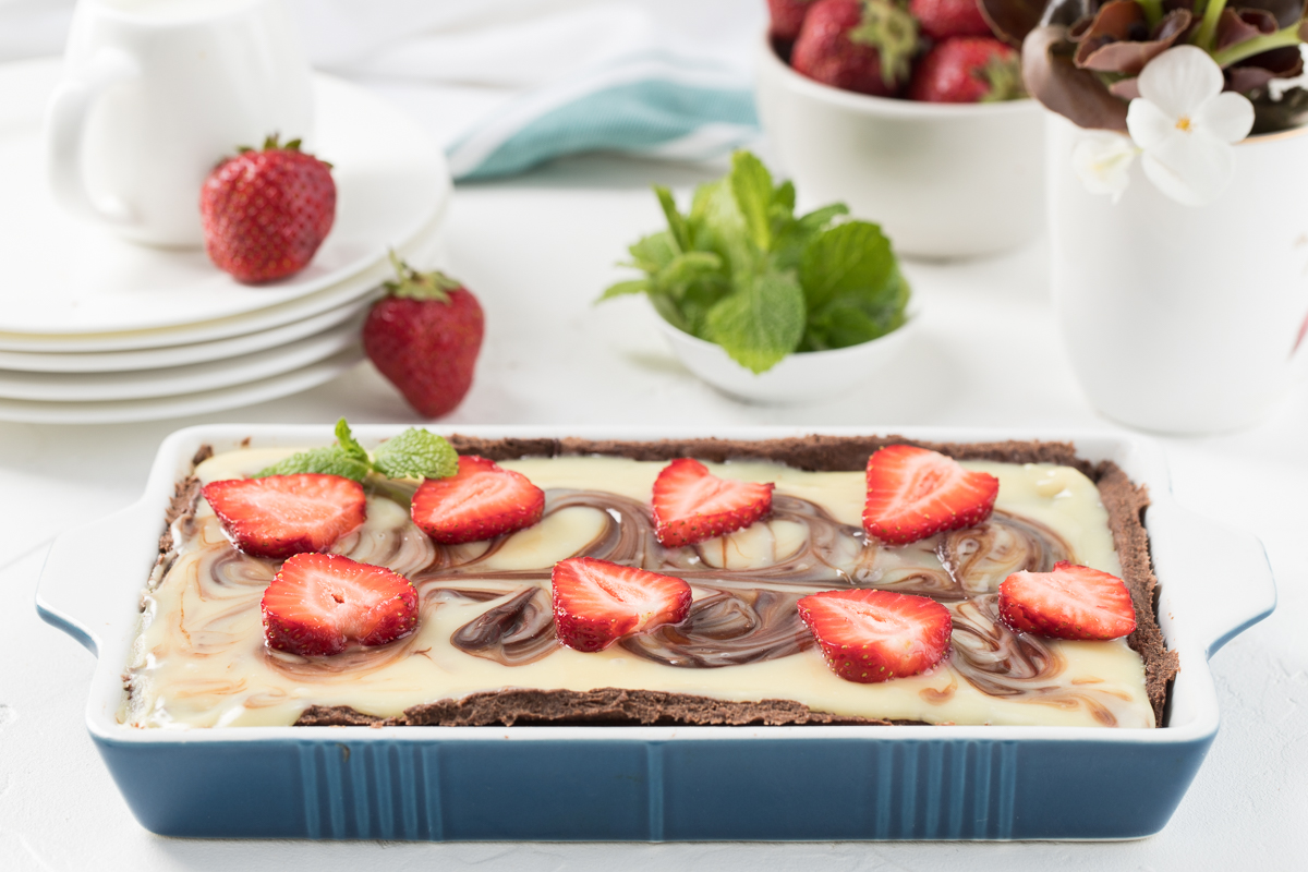 Qulupnay-shokoladli tart