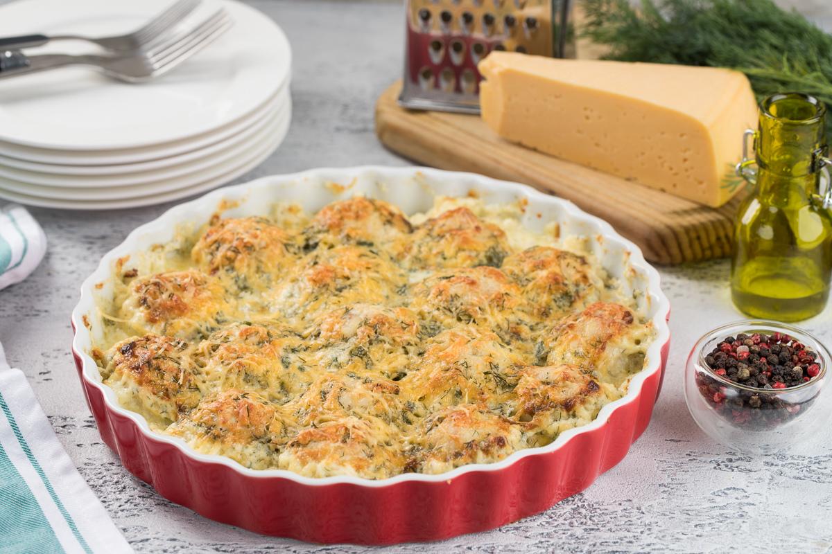 Куриные тефтельки в сырно-сливочном соусе