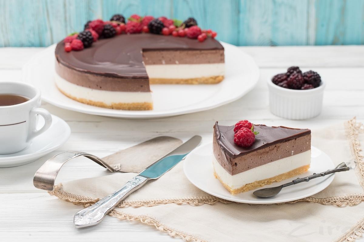 Видеорецепт: ванильно-шоколадный чизкейк без выпечки