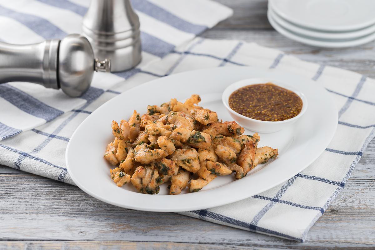 Хрустящее куриное филе с горчичным соусом