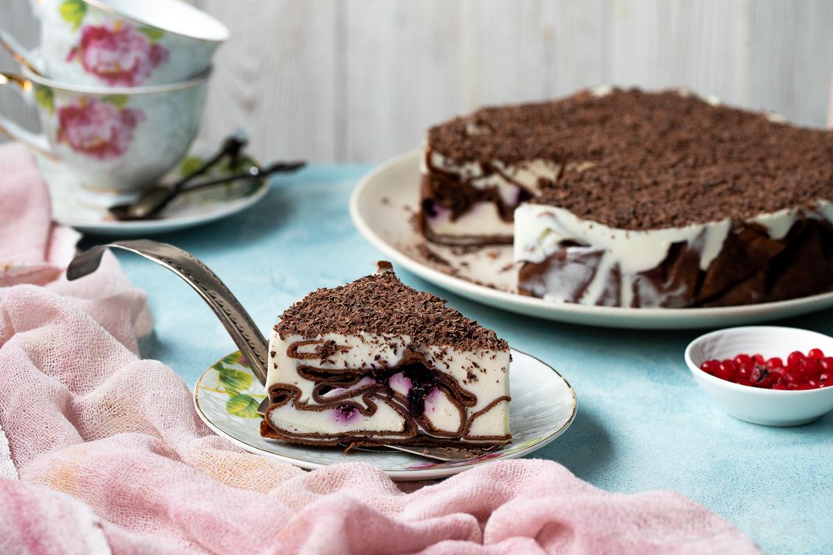 Videoretsept: smetanali krem suritilgan quymoqli tort