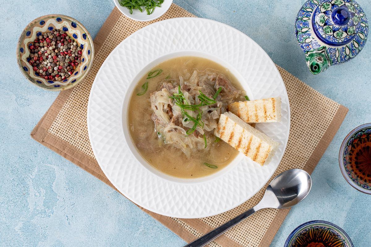 Узбекский луковый суп «Пиёва»