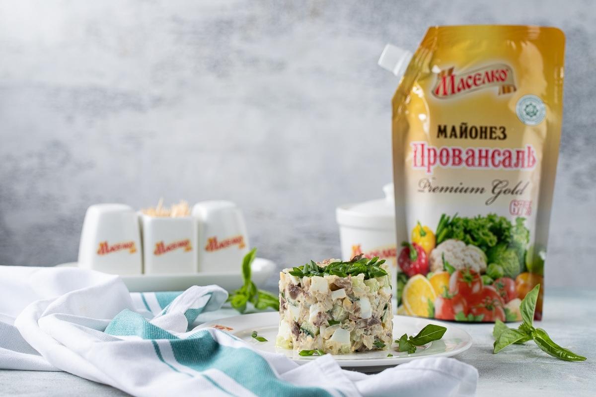 Видеорецепт: салат с рисом и огурцами